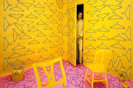 Sandy Skoglund, Hangers, 1979